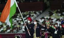 Chungneijang Mery Kom Hmangte and Manpreet Singh, of India,
