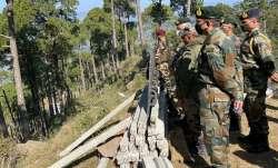 Army Chief General Naravane visits forward areas along LoC