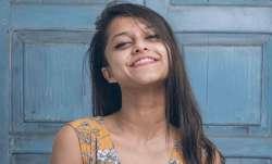 Manike Mage Hithe singer Yohani to make Bollywood debut