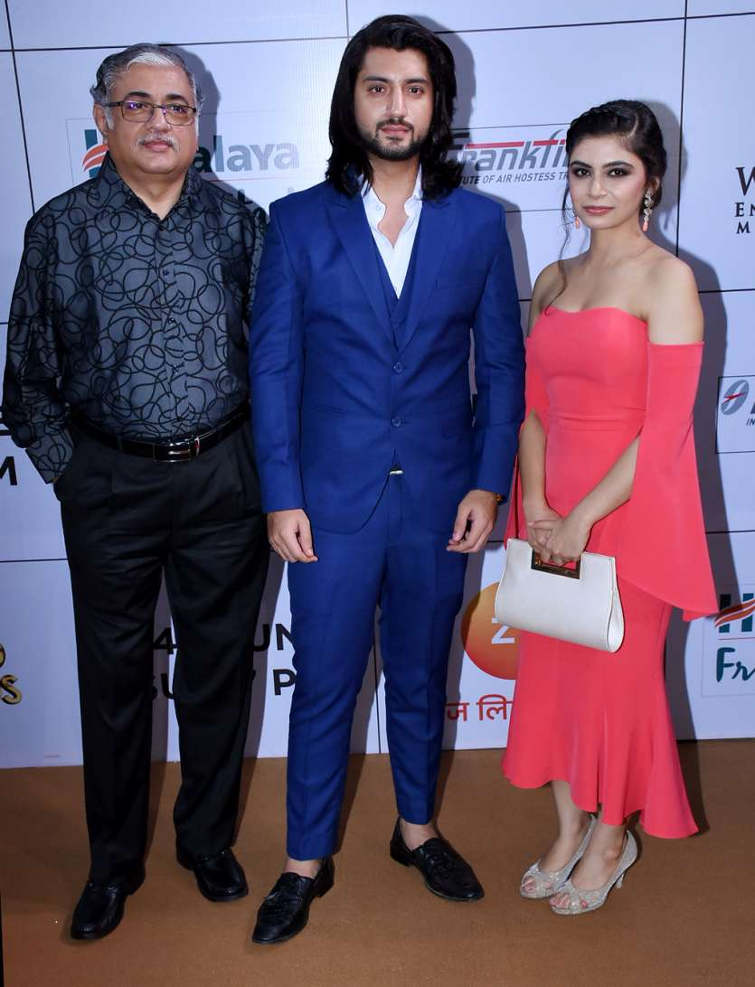 Ishqbaaz actor Kunal Jaisingh also arrived the party looking classy in a royal blue tux.