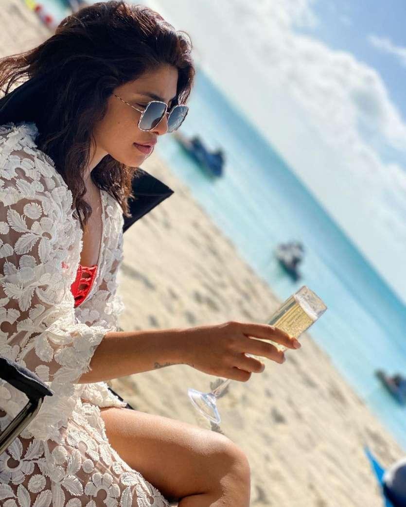 Priyanka Chopra looks gorgeous and stunning, as she is seen enjoying some time on the beach.